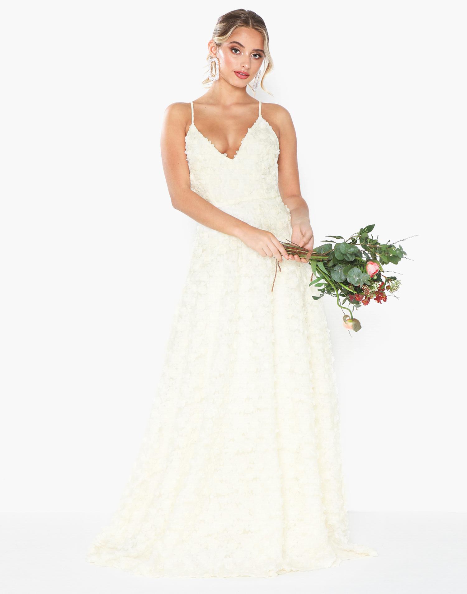 billig brudklänning Ida Sjöstedt bröllop inspiration