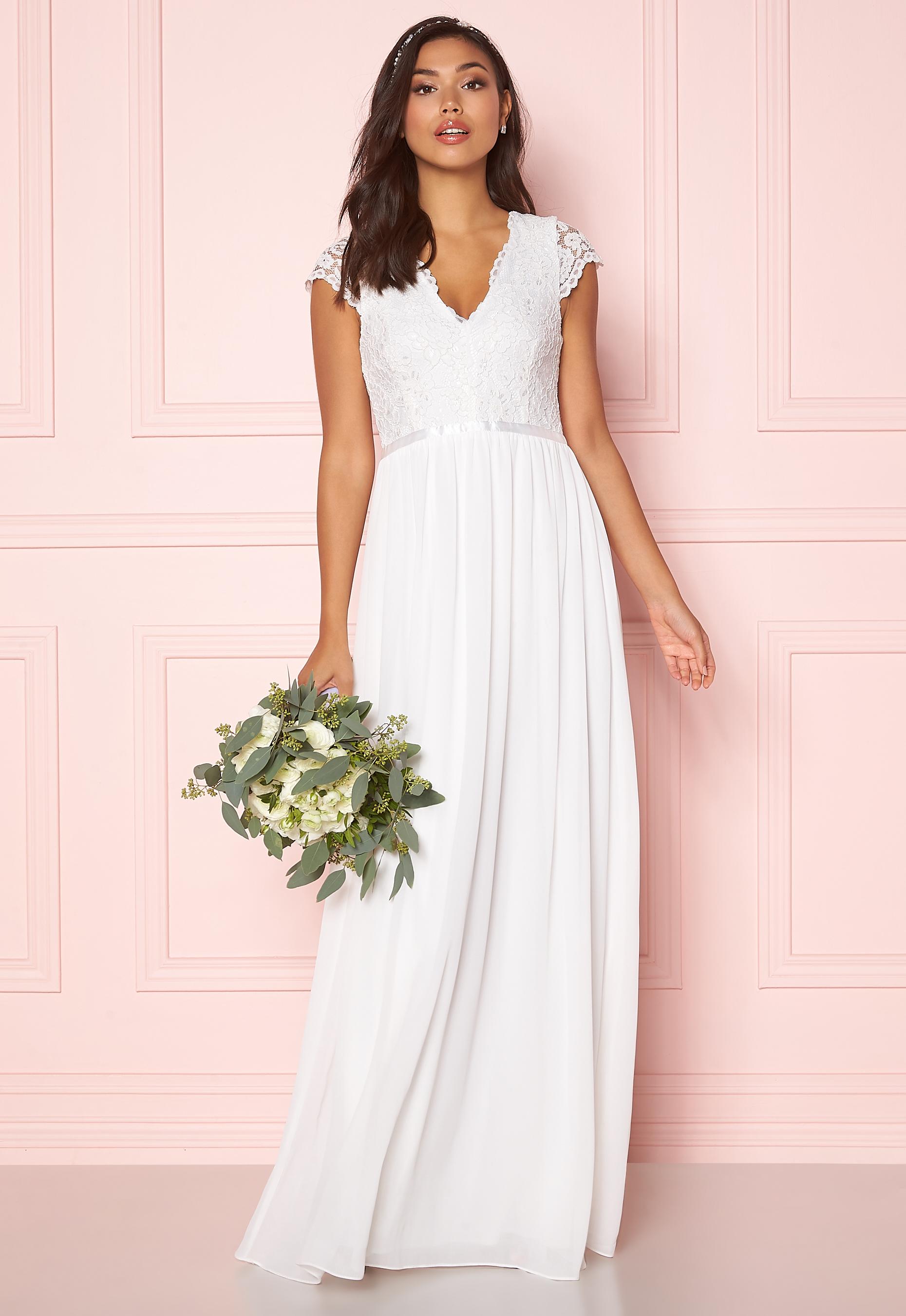 Billig brudklänning 15 vackra bröllopsklänningar 2020