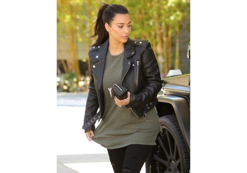 Kim Kardashian skinnjacka